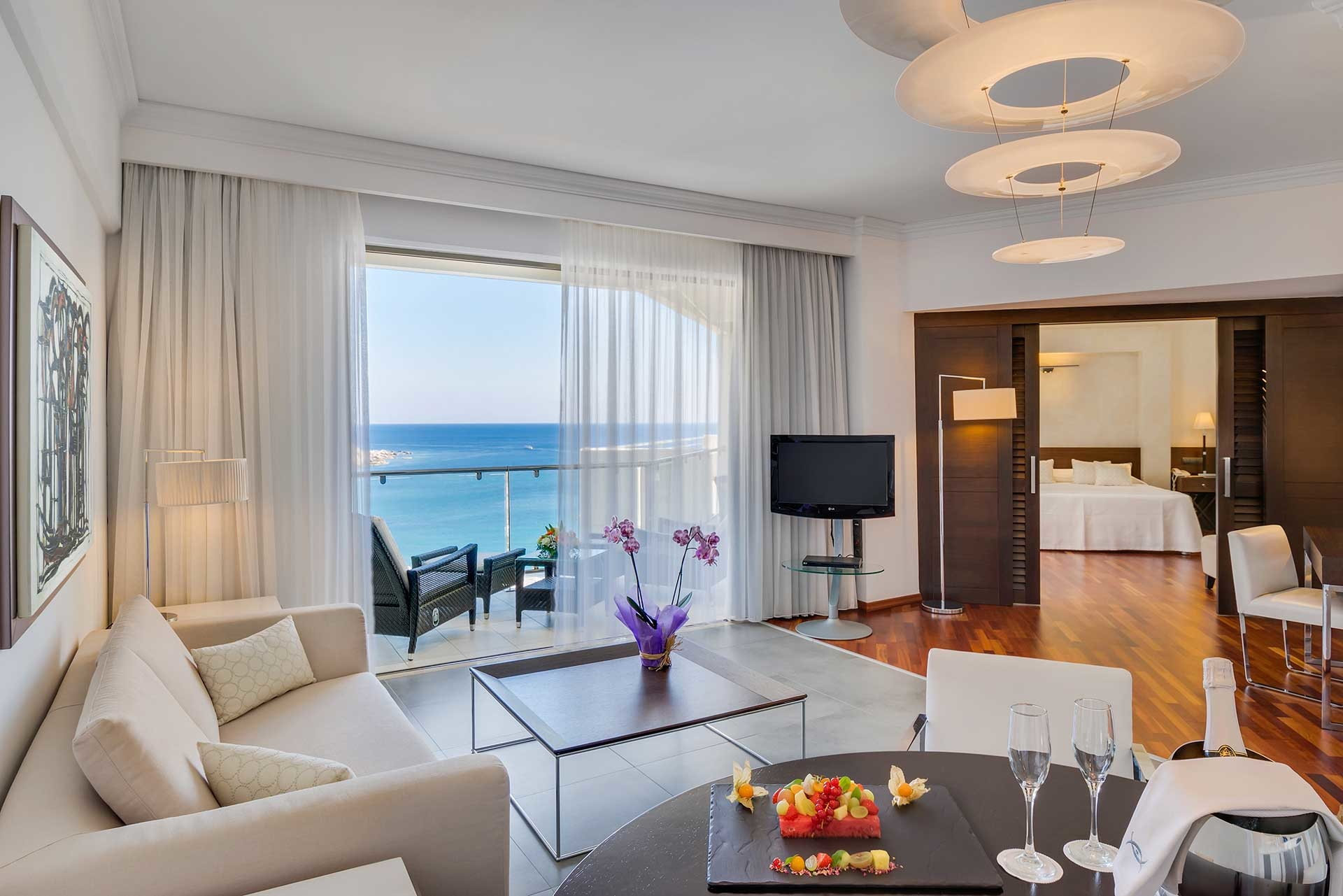 165_One-Bedroom_Deluxe_Suite_Sea_View_ELYSIUM