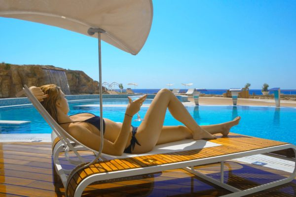 Εξωτερική πισίνα Vitality του Serenity Spa