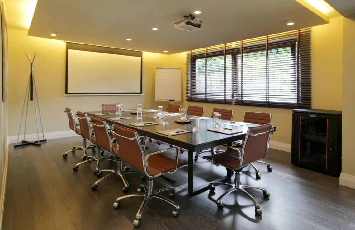 The Y Hotel - Meeting Room