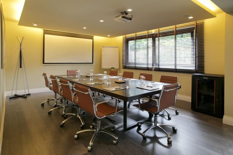 The Y Hotel - Meeting Room