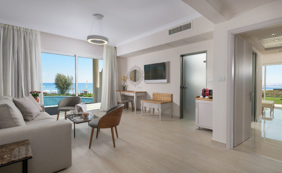 170_RODOS_PALLADIUM_EXECUTIVE_SUITE_PRIVATE_POOL_LIVINGROOM1_result