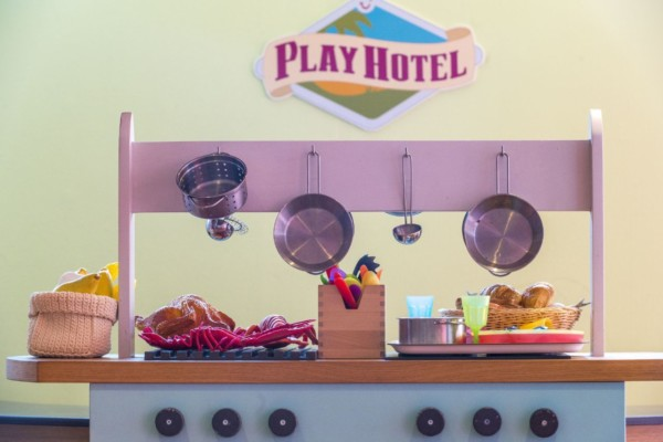 Play Hotel