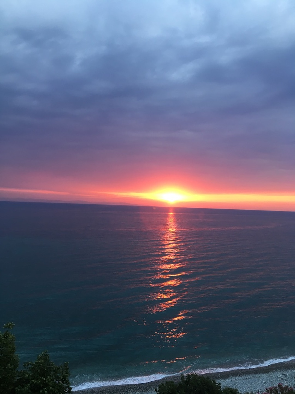 olymposhotel_sunrise2