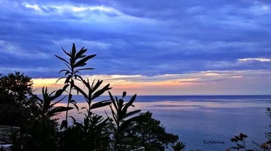 olymposhotel_sunset